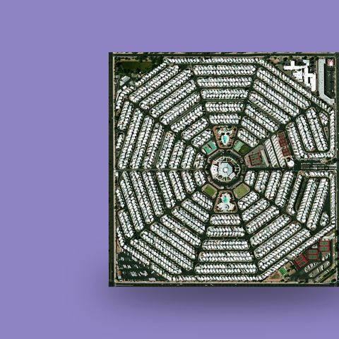 modest-mouse-strangers-to-ourselves-43
