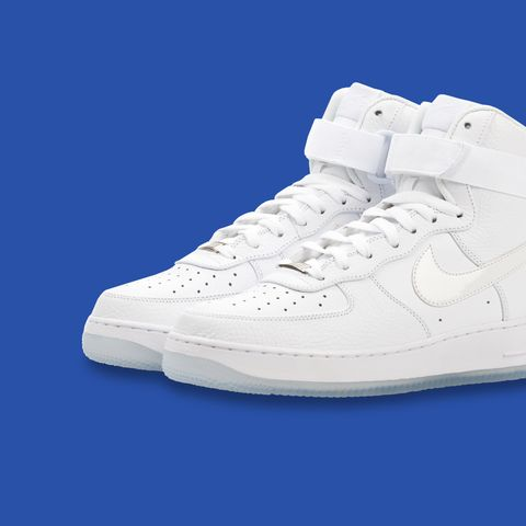 purchase cheap 7b371 597c6 Nike Air Force 1 Triple White High Tops