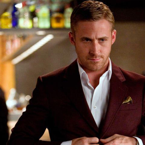 ryan-gosling-burgundy-suit-43