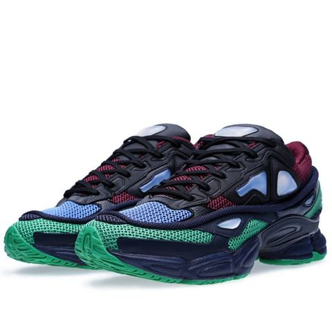 Footwear, Product, Shoe, Athletic shoe, Running shoe, Sportswear, Carmine, Pattern, Sneakers, Black,