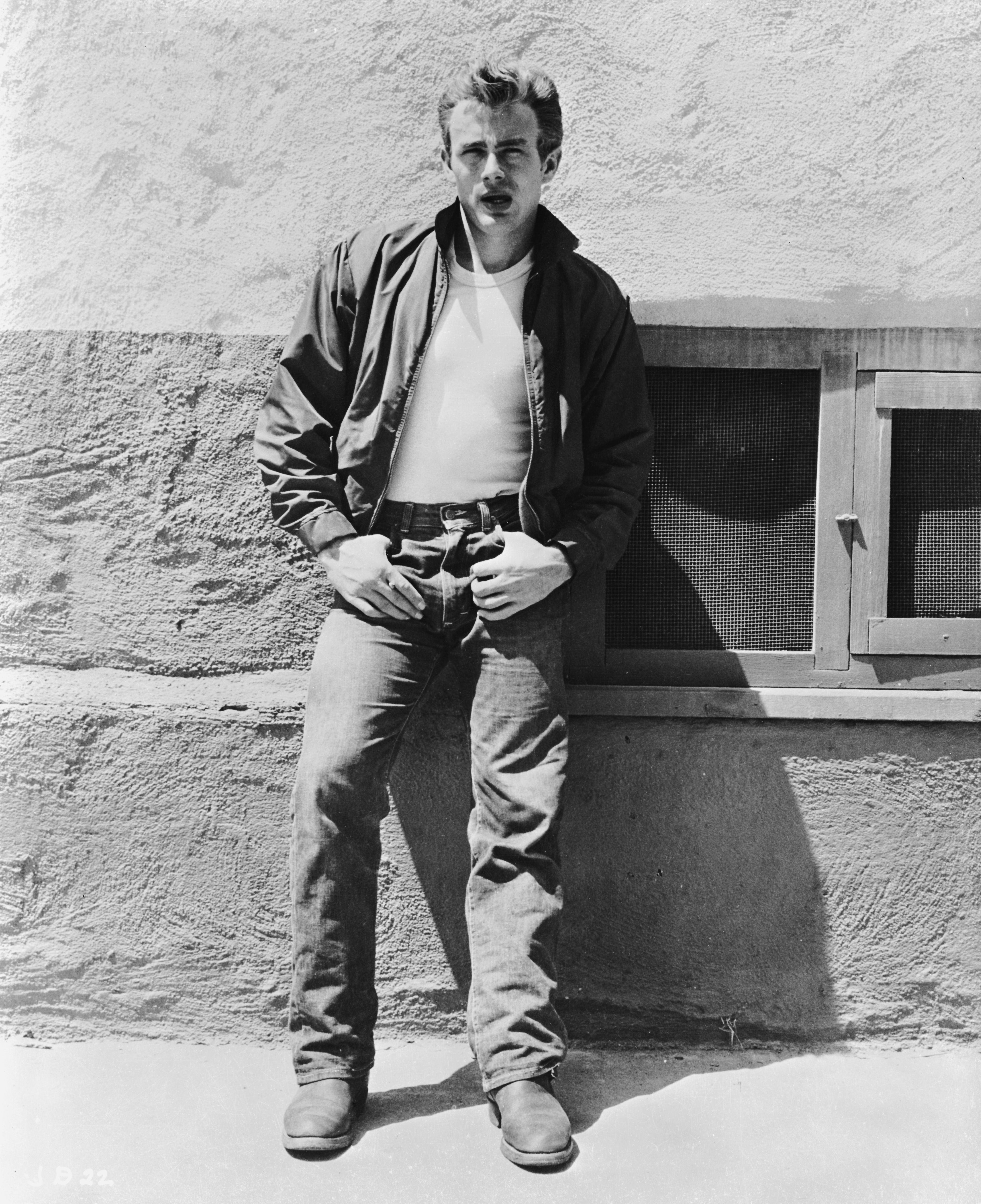 12 Photos Of James Dean All Men Could Learn A Thing Or Two From