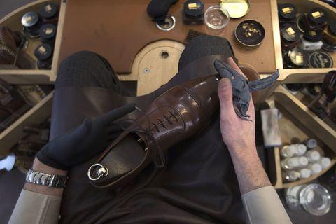 Brown, Wrist, Gauge, Steering part, Speedometer, Leather, Steering wheel, Tachometer, Measuring instrument, Bracelet,