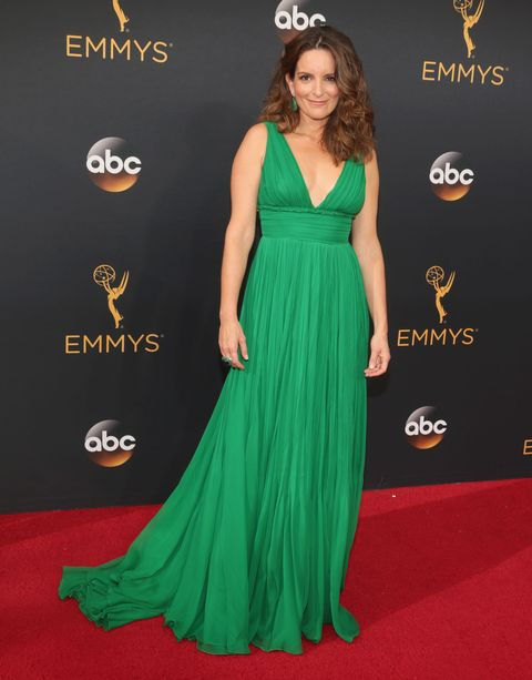 Clothing, Human, Green, Flooring, Dress, Shoulder, Red, Carpet, Premiere, Style,