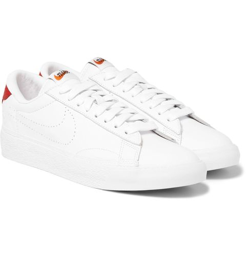 Product, Shoe, White, Sportswear, Sneakers, Light, Carmine, Logo, Black, Athletic shoe,