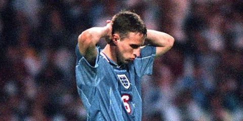 Tweets That Sum Up Just How England It Was To Lose A Lead - 16 pictures that sum up how you feel about 2016