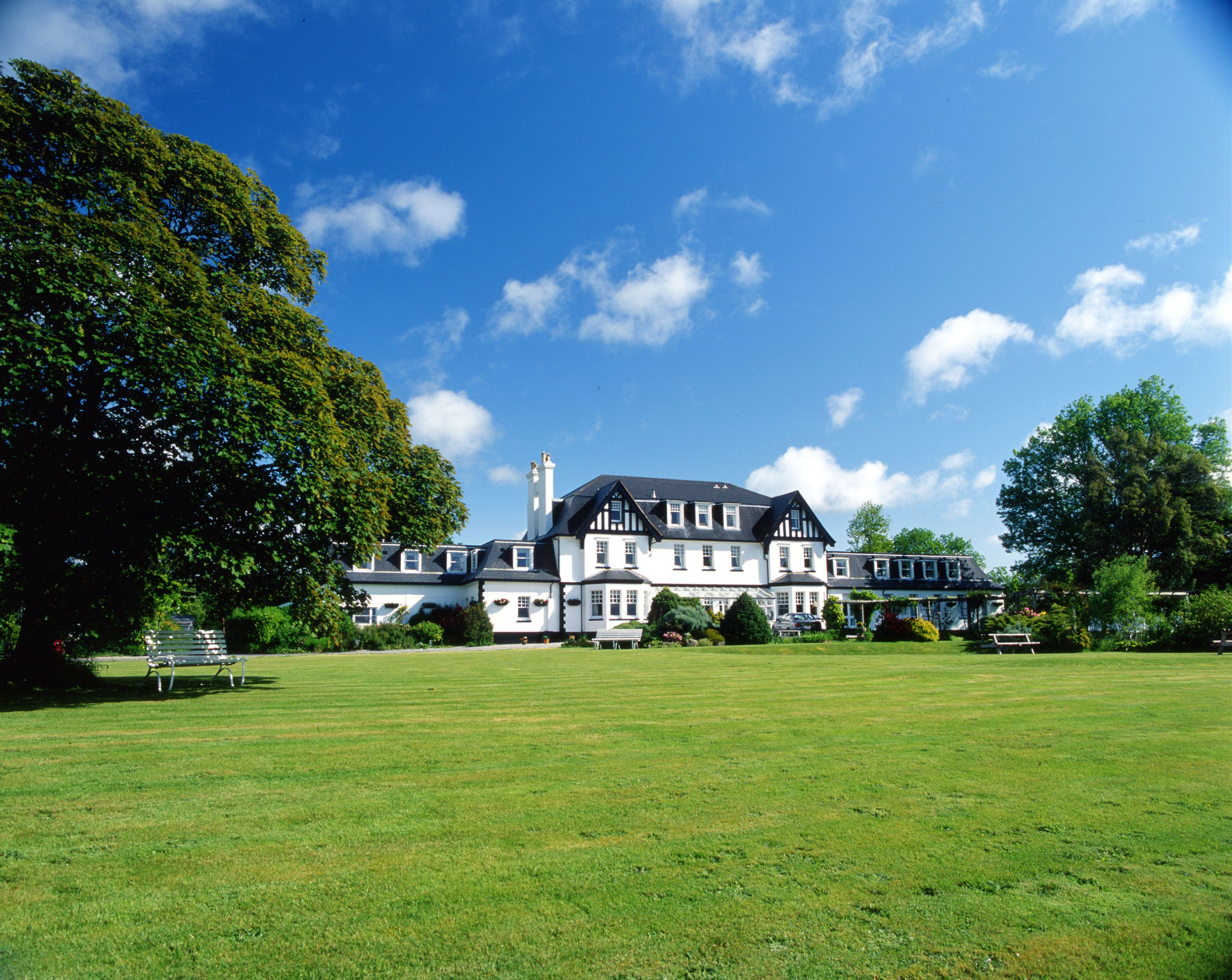 Country hotels outside london