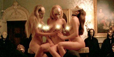 Trunk, Blond, Abdomen, Fictional character, Mythology, Flesh, Stomach, Foot, Toe, Sculpture,