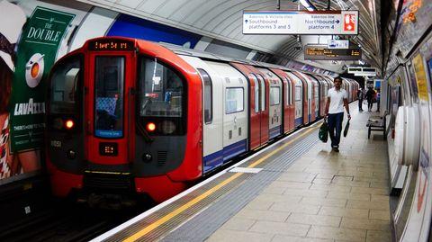 Transport, Public transport, Mode of transport, Train, Railway, Metro, Train station, Rolling stock, Metropolitan area, Vehicle,