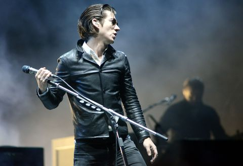 Performance, Entertainment, Music, Musician, Microphone stand, Performing arts, Concert, Microphone, Music artist, Singer,