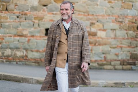Clothing, Street fashion, Outerwear, Fashion, Jacket, Coat, Blazer, Collar, Beige, Overcoat,