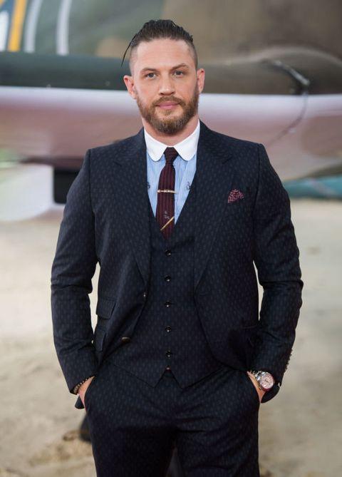 Suit, Clothing, Formal wear, Blazer, White-collar worker, Tuxedo, Outerwear, Businessperson, Human, Dress shirt,