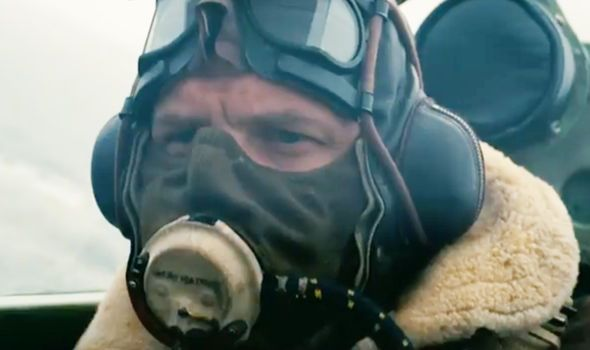 Dunkirk Director Christopher Nolan Reveals Why Tom Hardy Covers His Face In Films