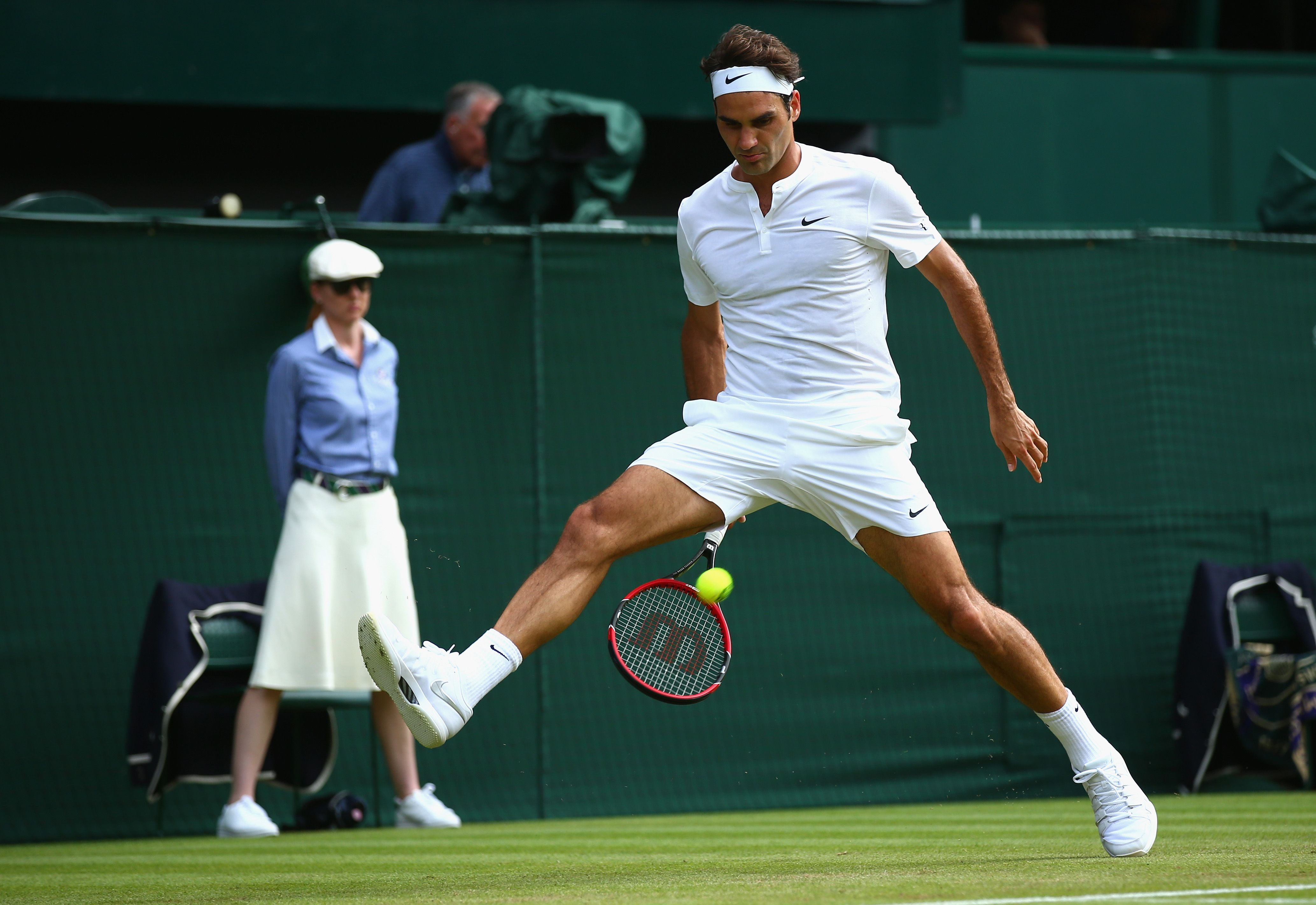 Roger Federer Wonders Why Young Tennis Players Don T Just Play More Like Him