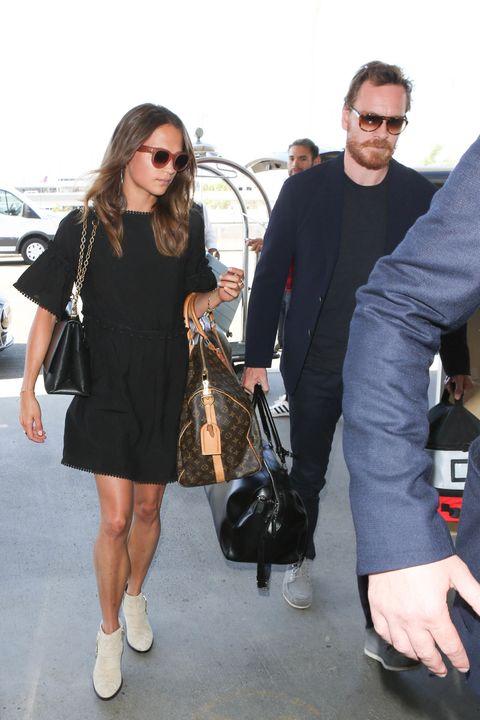Street fashion, Fashion, Eyewear, Footwear, Shoe, Outerwear, Sunglasses, Blazer, Little black dress, Style,