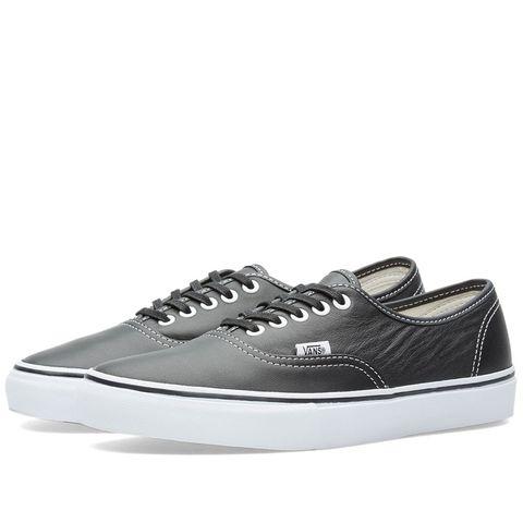 Shoe, Footwear, Sneakers, White, Product, Outdoor shoe, Skate shoe, Walking shoe, Plimsoll shoe, Athletic shoe,
