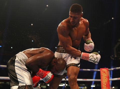 Combat sport, Contact sport, Barechested, Professional boxer, Sport venue, Boxing ring, Boxing, Boxing glove, Striking combat sports, Professional boxing,