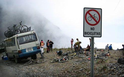 gravity.bolivia.gravity.assisted.mountain.biking.jpg