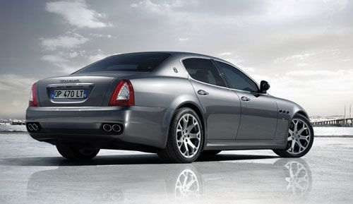 2009-maserati-quattroporte-s-rear-thumb.jpg
