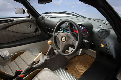 lotus-eco-elise_interior-thumb.jpg