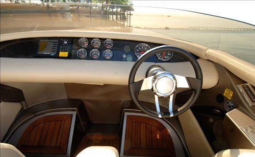 Fearless-28-Yacht-by-Porsche-Design-interior.jpg