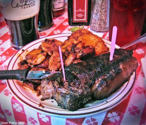 arthurs-tavern-steak-gear-patrol-restaurant-review.jpg