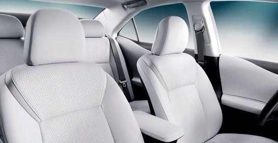 2010-lexus-hs-250h-interior