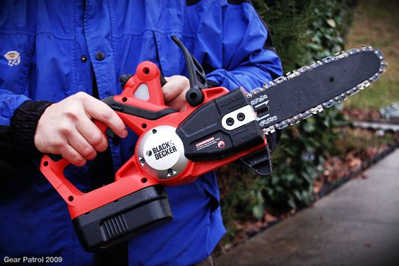 black-and-decker-chainsaw