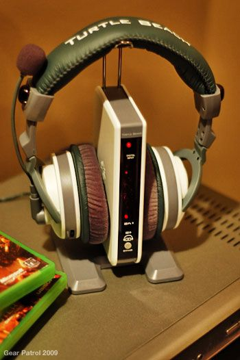 turtle-beach-ear-force-headphones-stand