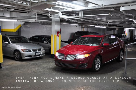 2010-lincoln-mks-parking