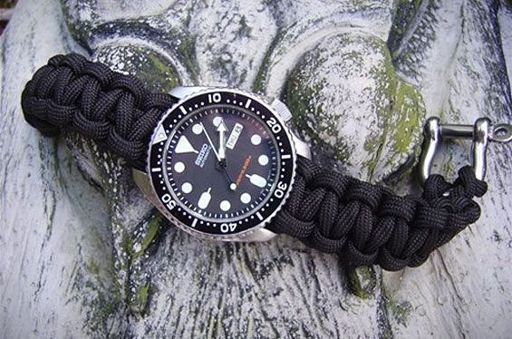paracord-survival-cord-watch-strap