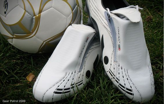 concave_soccer_cleats1