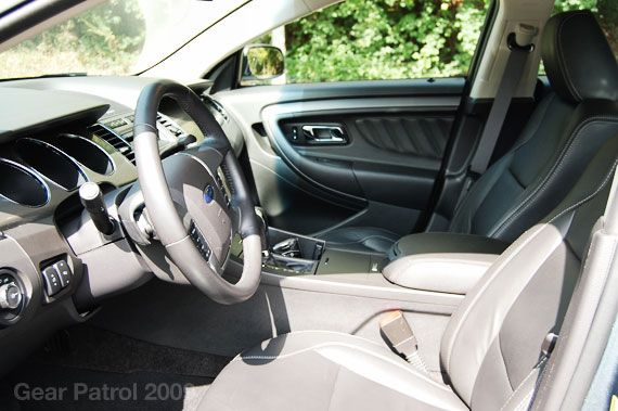 2010-ford-taurus-drive-interior-gear-patrol