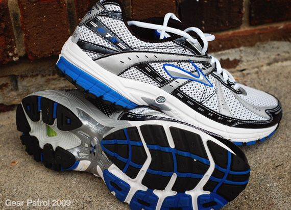 brooks-running-shoes-gear-patrol