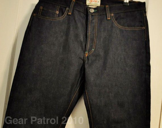 glory-utility-55-selvage-gear-patrol