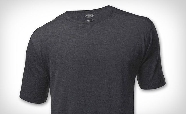 Filson merino wool t shirt gear patrol for Merino wool shirts for travel