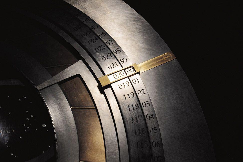 10000-Clock-Year-Dial-Full-Width