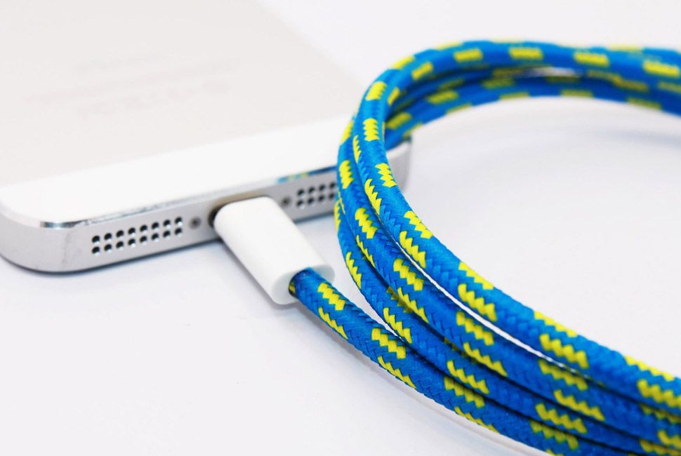 eastern-collective-lightning-collective-cable-iphone-5-gear-patrol-full