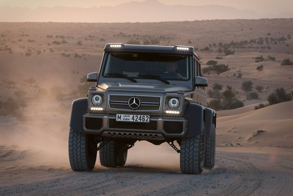 mercedes-benz-amg-6×6-gear-patrol-slide-8