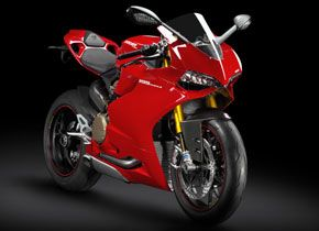 Superbike-1199-Panigale-S-gear-patrol