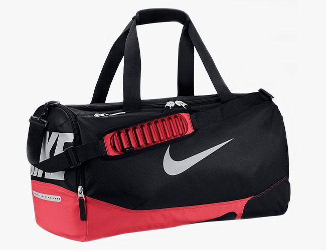 NikeMaxAirVaporDuffel-650x500-Gear-Patrol