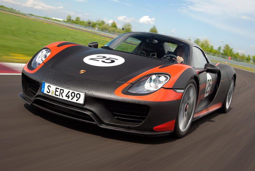 Porsche-918-Spyder-Gear-Patrol-Lead-Full