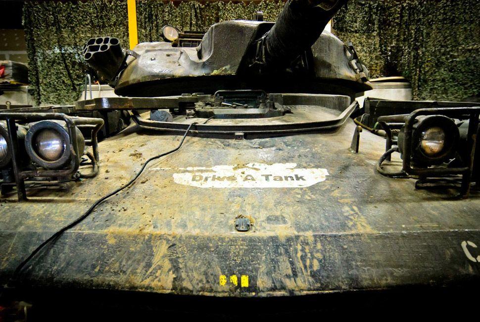 Abbott-FV433-Self-Propelled-Gun-gear-patrol-slide-2
