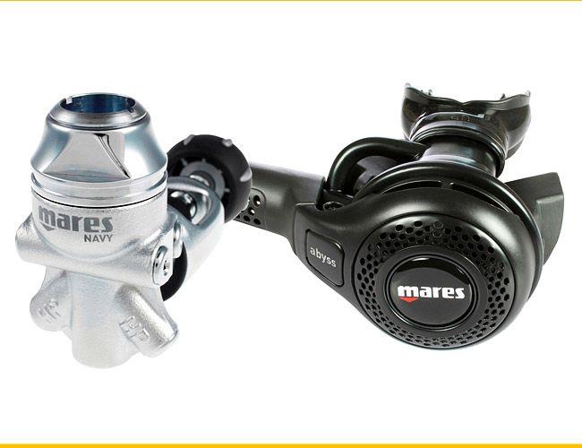 Mares-Abyss-22-Navy-Regulator-Gear-Patrol