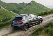 2015-Mercedes-Benz-GLA-CLass-Gear-Patrol