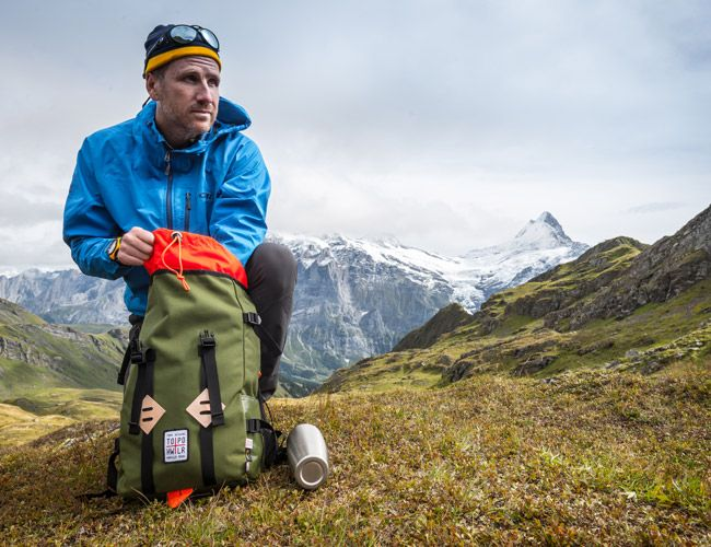 Topo-Howler-Brothers-Klettersack-Gear-Patrol-Ambiance