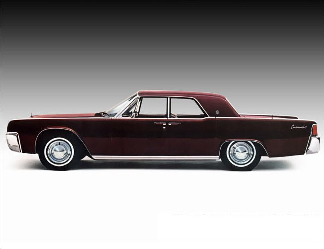 1961-Lincoln-Continental-Gear-Patrol-Ambiance-2