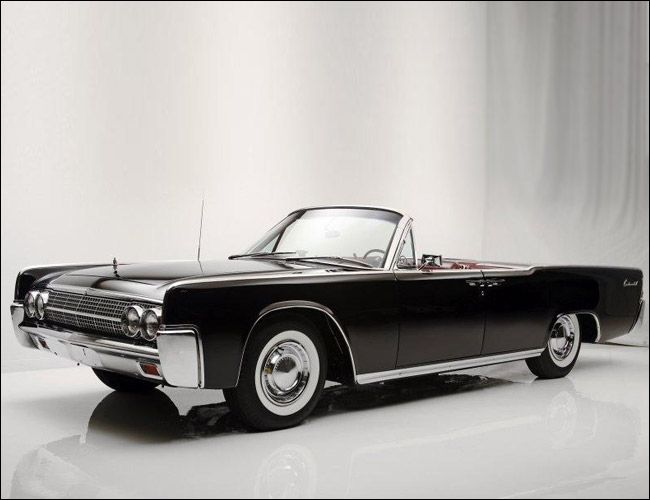 1961-Lincoln-Continental-Gear-Patrol-Ambiance-3