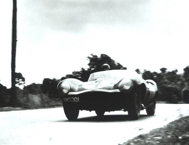 Icon-Jaguar-D-Type-Gear-Patrol-Ambiance-2
