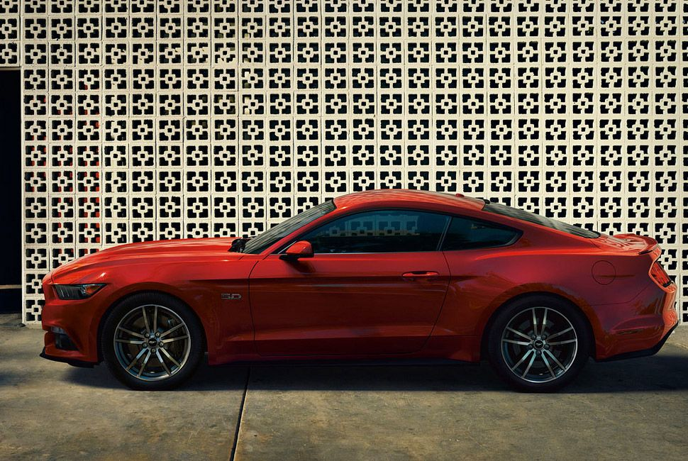 2015-Ford-Mustang-Gear-Patrol-Lead-Full