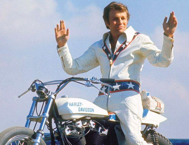 Harley-Davidson-Sporster-Gear-Patrol-Ambiance-3